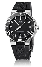 Oris Divers Aquis Date Svart/Gummi